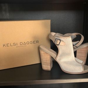 Kelsi Dagger, 8.5, Peep Toe Perforated Booties